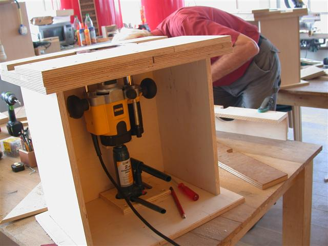 post your router table plans pics telecaster guitar forum. Black Bedroom Furniture Sets. Home Design Ideas