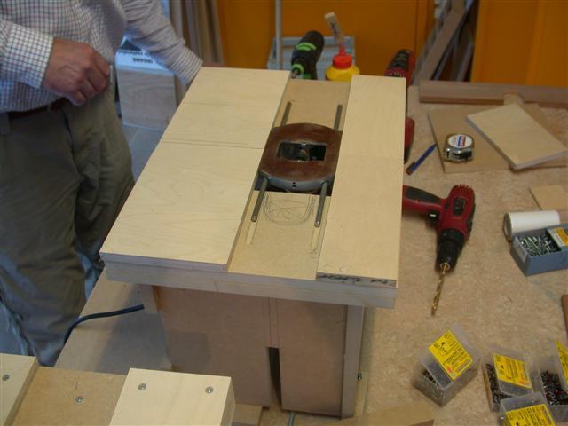 Tafel Voor Bovenfrees : Hoe maak je een mini freestafel u diy vrijhuis
