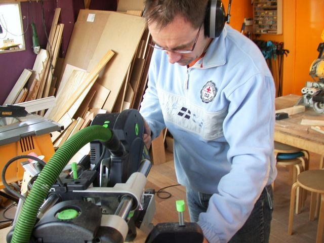 Cursus zaagtechniek - u leert houtbewerking op de cirkelzaag, lintzaag en afkortzaagmachine.