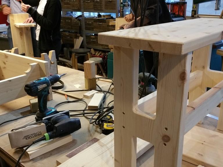 Konkelbank Meubelmaken workshop zelf meubels maken - afwijking van de norm kan ook.