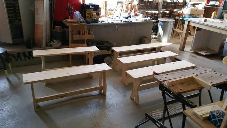 Konkelbank Meubelmaken workshop zelf meubels maken - Er zijn variaties op een thema.