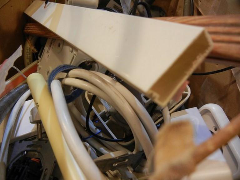 Alle typen elektra buis komen aan orde ook deze minder fraaie platte buis