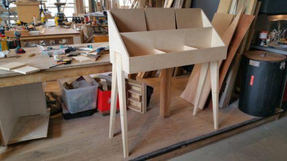 Maak in twee dagen uw eigen meubelstuk met het machinepark van BeQwaam. Workshop dubbeldag