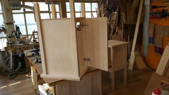 Maak in twee dagen uw eigen meubelstuk met het machinepark van BeQwaam.