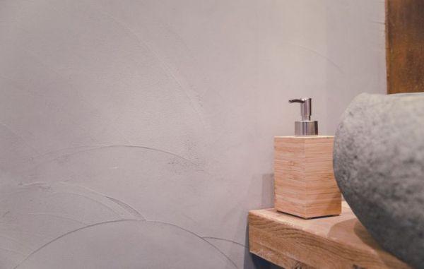wanden stuken met beton ciré
